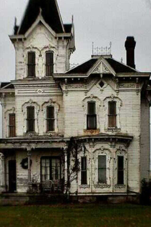 Abandoned Home...Bet She Shined In Glory In Her Days                                                     (rePinned 091413TLK)