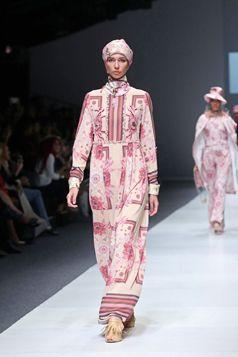 Itang Yunasz - Jakarta Fashion Week 2016 | Gamis Etnic Series S/S Collection. www.itangsz.com