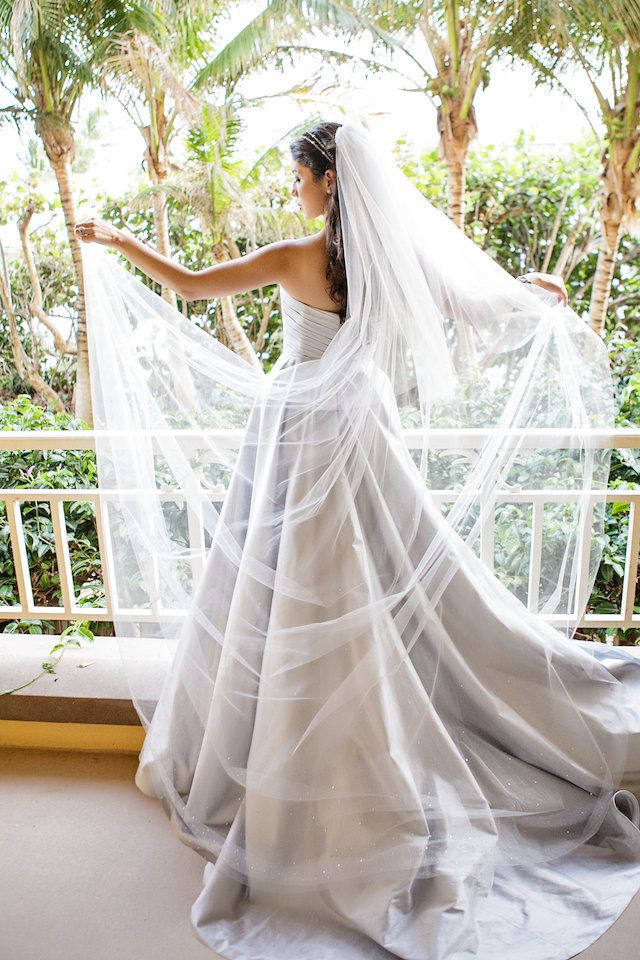 how to wear a wedding veil with your hair down