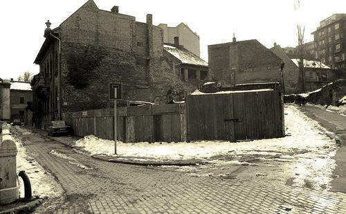 Winter in 1984 (I.) - Buda, Víziváros, Szalag utca - 1984 tél (+) - utazó