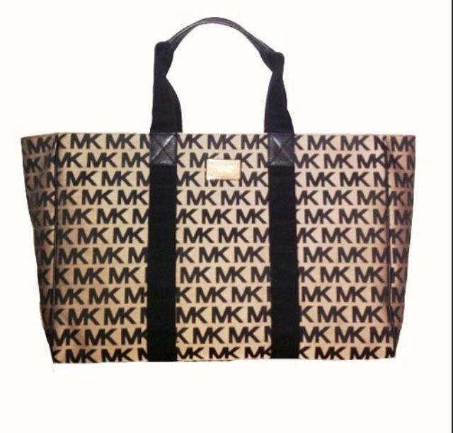 17 best ideas about michael kors diaper bag on pinterest baby bags baby su. Black Bedroom Furniture Sets. Home Design Ideas