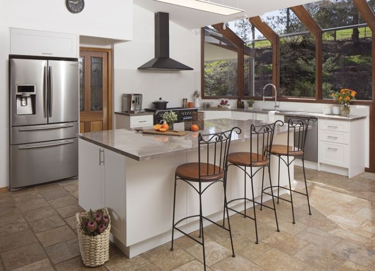 Get the look - vanilla essence thermoformed doors and panels in alpine profile. rum raisin benchtops. t-pull handles...+kaboodle kitchen