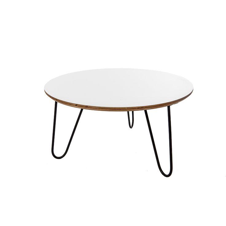 Soffbord i vitt runt. Coffe table wite round.