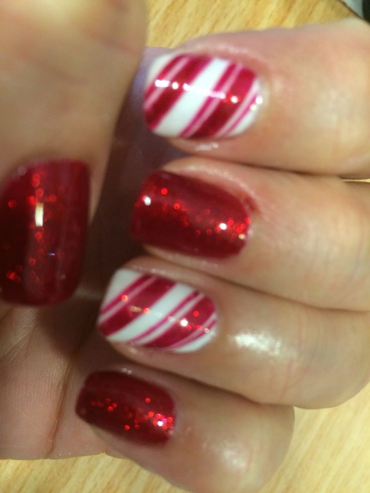 The 25+ best Candy cane nails ideas on Pinterest ...