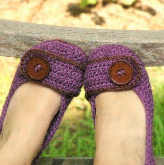 house slipper crochet pattern. Too cute! WANT!