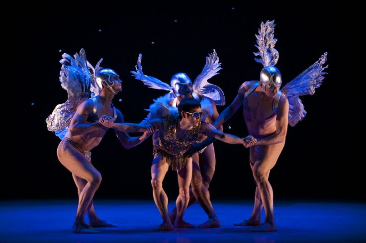 Alberta Ballet Company Artists  Photo by Don Lee