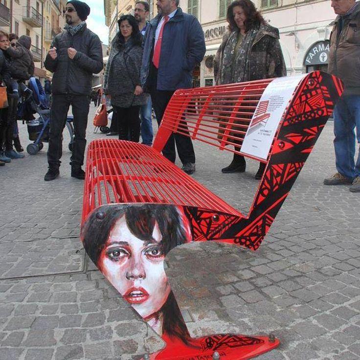 """Dai un'occhiata al mio progetto @Behance: """"La mia Panchina Rossa"""" https://www.behance.net/gallery/46184137/La-mia-Panchina-Rossa"""
