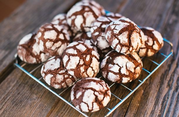 Kívül ropogós, belül puha kakaós pöfeteg keksz   femina.hu