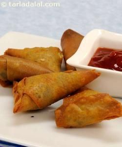 Samosa ( Gujarati Recipe) recipe   Veg Samosa Recipes   by Tarla Dalal   Tarladalal.com   #562
