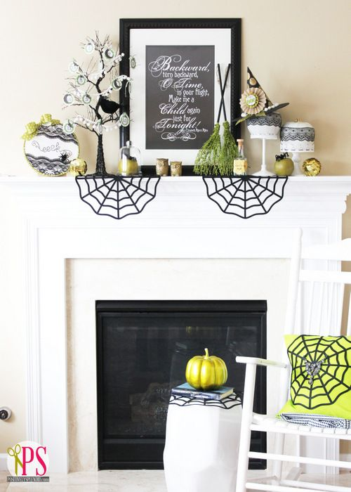 Such a stylish but classic Halloween Mantel via @Amy Bell {Positively Splendid} - amazing!