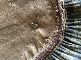 Fastening detail, mid-18th C. Panier, Snowshill Costume Collection