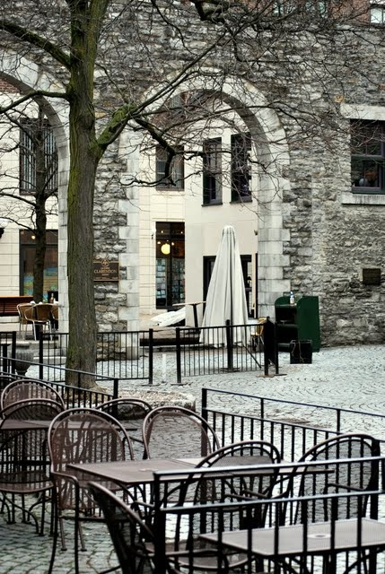 The courtyards in the market area of Ottawa, which has many cafés and old stone buildings built by some of the original pioneers, in this case Scottish stonemasons.