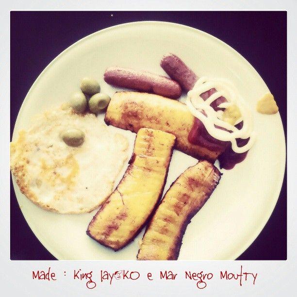 Angola Food. #Banana_Pão #sausage #olives #ketchup #Mayonnaise