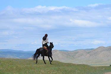 Wow, une rando à cheval en Mongolie à 890 € ! http://www.rando-cheval-mongolie.com/voyages/randonnees-cheval/rando-cheval-mongolie-express-randonnee-equestre.html