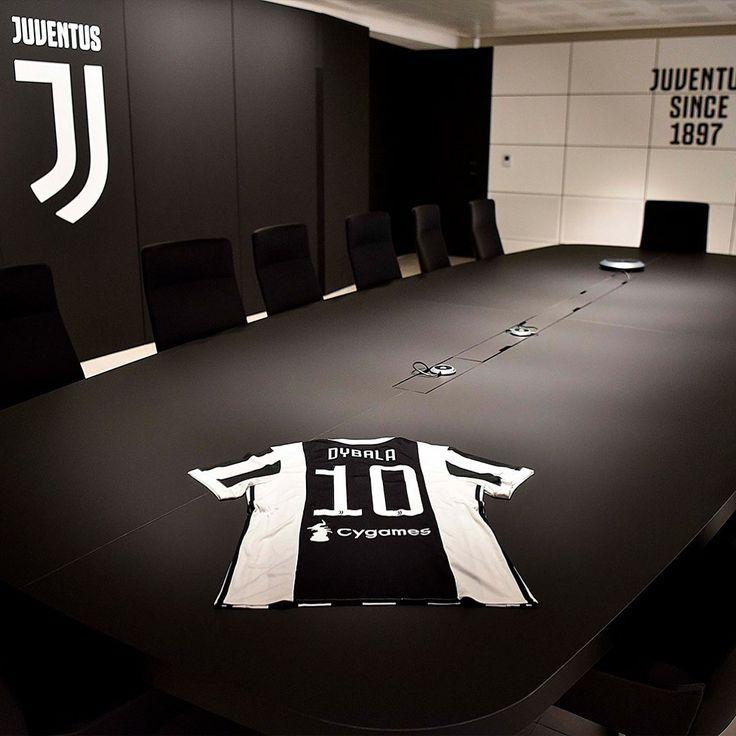 """UFFICIALE la maglia numero 10 sarà vestita da Paulo Dybala per la prossima stagione.❤️ #juventus…"""""""