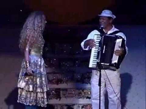 1985 - Roque Santeiro - Globo -   Elba Ramalho e Dominguinhos De Volta Pro Aconchego