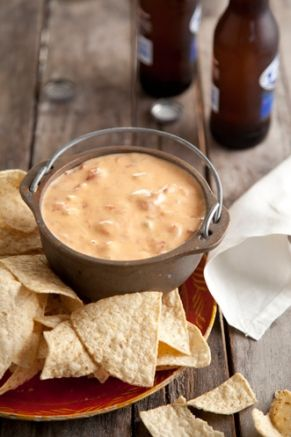 Chili Con Queso Dip from Paula Deen: With Cheese, Fun Recipes, Queso Dips, Chilis Con, Dips Recipes, Appetizers Dips, Chee Dips, Paula Deen, Hot Sauces