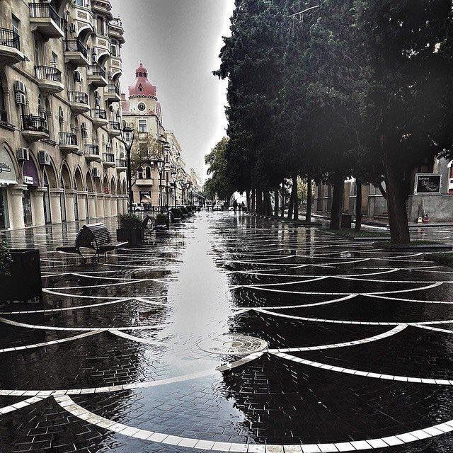 Rainy Day In Baku Baku Motherland New York Skyline