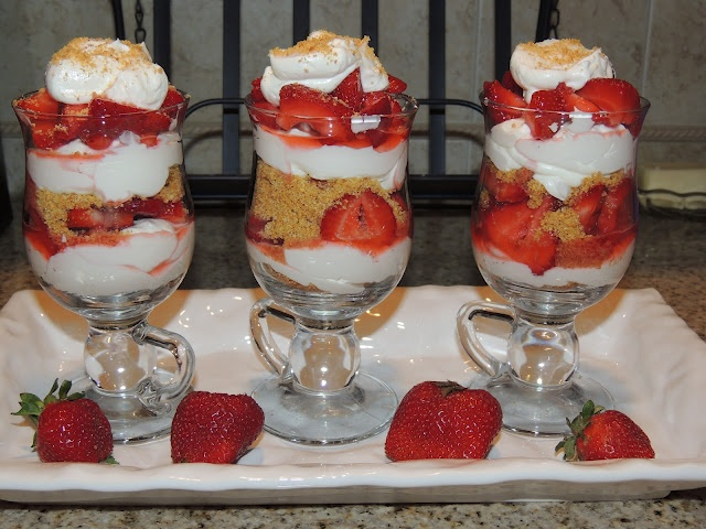 Strawberry Cheesecake Parfaits | Food From My Blog | Pinterest