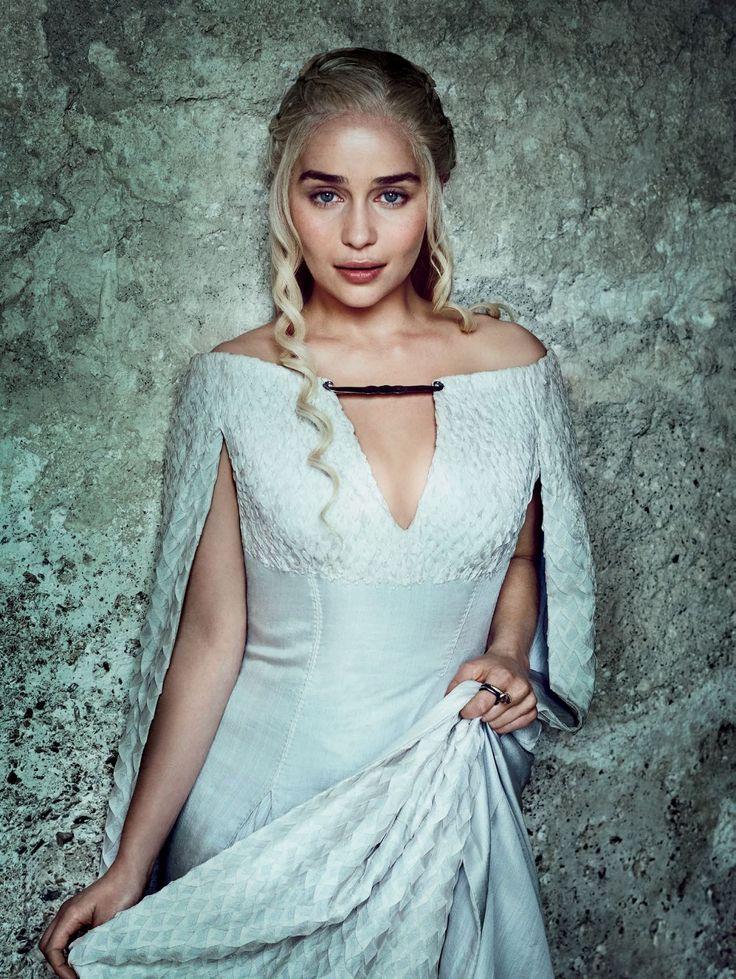 "Game of Thrones S6 Emilia Clarke as ""Daenerys Targaryen"""