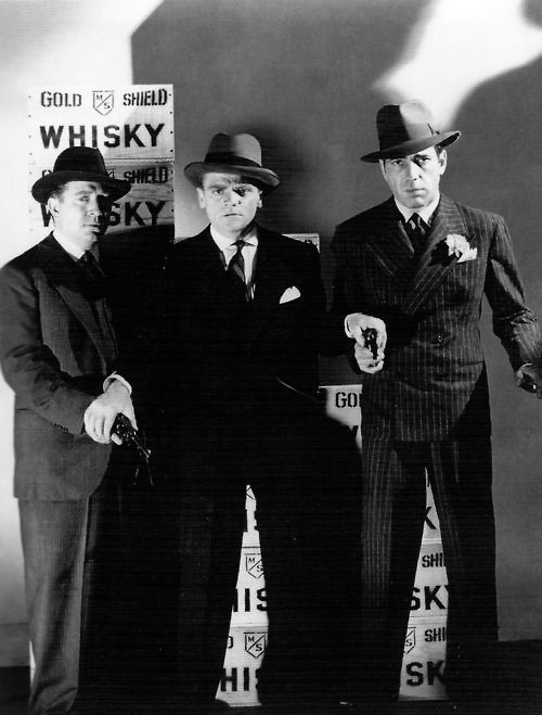 Frank McHugh, James Cagney and Humphrey Bogart in The Roaring Twenties, 1939.