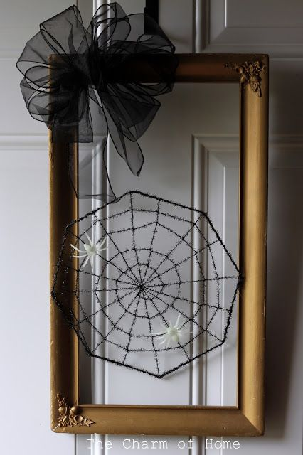 The Charm of Home: Halloween Picture Frame Wreath