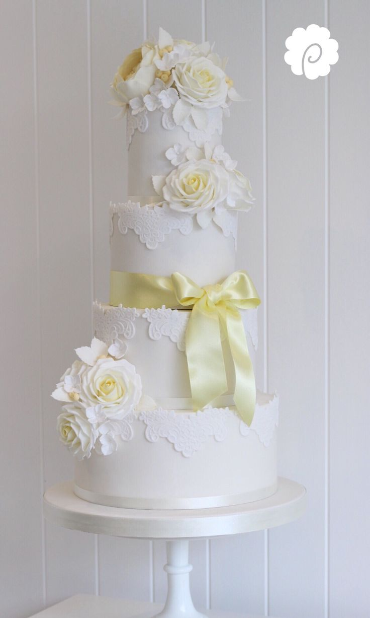 22 best Beautiful Chrysanthemum Cakes images on Pinterest | Cake ...