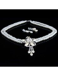 Flower Rhinestones and Pearls Ladies' Wedding Jewelry Set, Including Necklace and Earrings