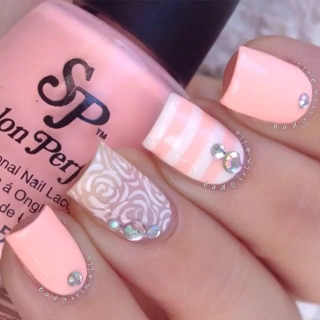 Floral Accent by @badgirlnails Song: Stay Ready by. Jhene Aiko ft. Kendrick Lamar