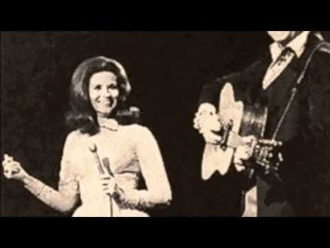 Johnny Cash + June Carter  Oh, what a good thing we had