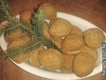 RUSKÉ PLNĚNÉ OŘECHY ■ http://recepty.pozri.sk/recept-vianocne-karamelove-orechy-581  ■ http://www.mimibazar.cz/recept.php?id=33602
