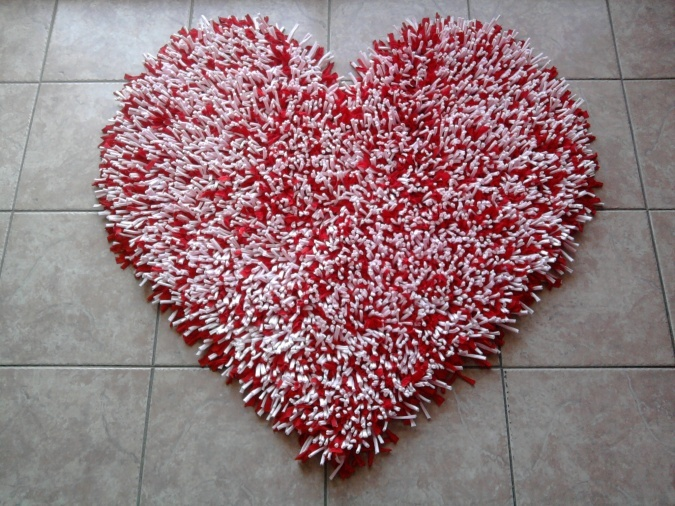 Alfombras Corazón | Paxarelas Tejidos | Feria Central  Tanto para el suelo como para colgar en la pared