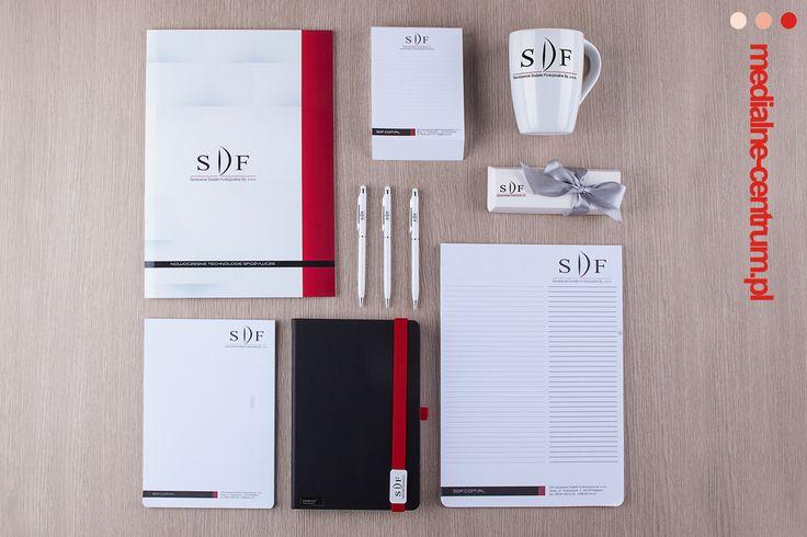 mockup firma SDF Rydzyna zestaw artykułów promocyjnych, sprzęt medyczny