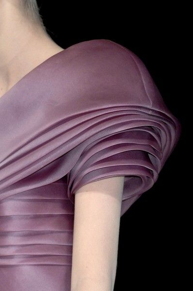 Pleated/layered effect sleeve - interesting, fashion, detail, close up, embellished, couture, catwalk