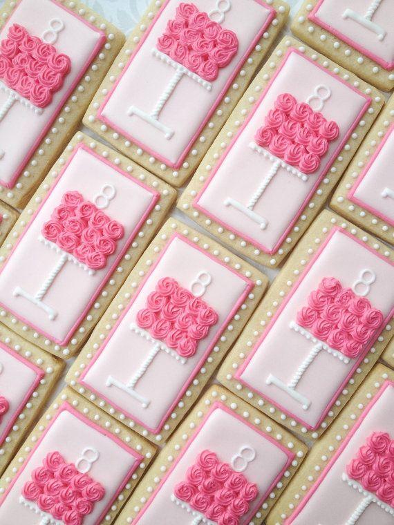 Rosa pastel cumpleaños Cookies galletas de por thesweetesttiers