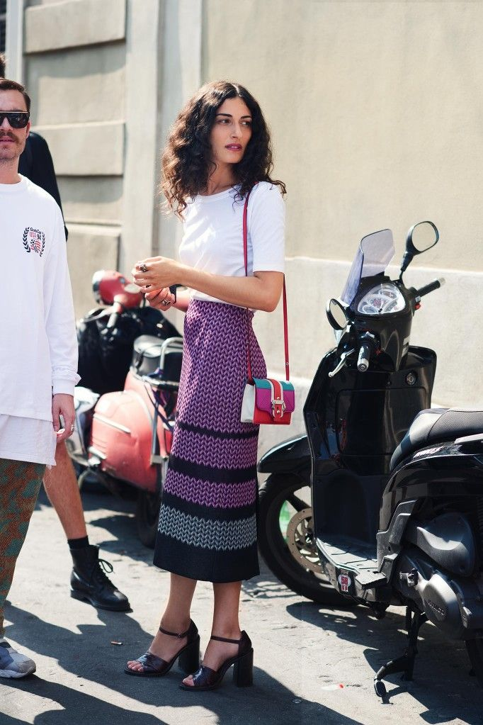 Giulia Tordini in a tee and midi skirt #style #fashion #streetstyle