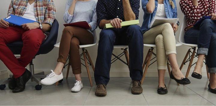 'Mijn werkervaring sluit perfect aan op de functiebeschrijving'. Die zin komt vaak voorbij in sollicitatiebrieven die wij als bureau ontvangen. Mijn eerste reactie daarop? Dat bepalen wij wel. En daarna? Dat zegt niets. Dat klinkt misschien hard, maar de realiteit is: een bureau heeft weinig tijd en krijgt meestal veel reacties op een vacature. Daarom, 5 tips en 1 bonustip over hoe je wél scoort met je sollicitatie bij een marketingcommunicatiebureau.
