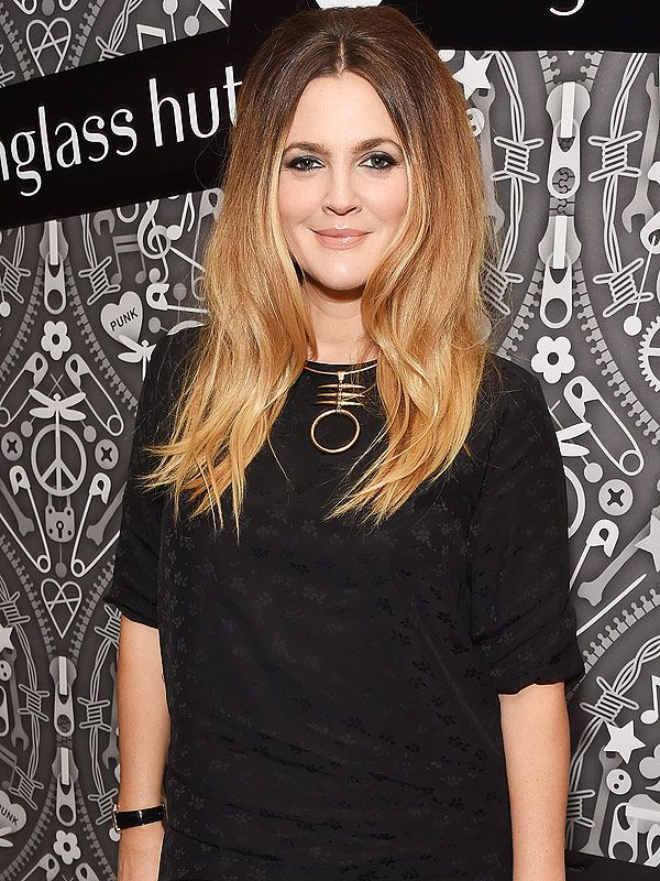 Drew Barrymore on Her Mom-Bod: 'I Would Much Rather Have My Kids and Look a Little Worse In a Bathing Suit!' http://celebritybabies.people.com/2015/10/21/drew-barrymore-mom-bod-bathing-suit-people-cover/