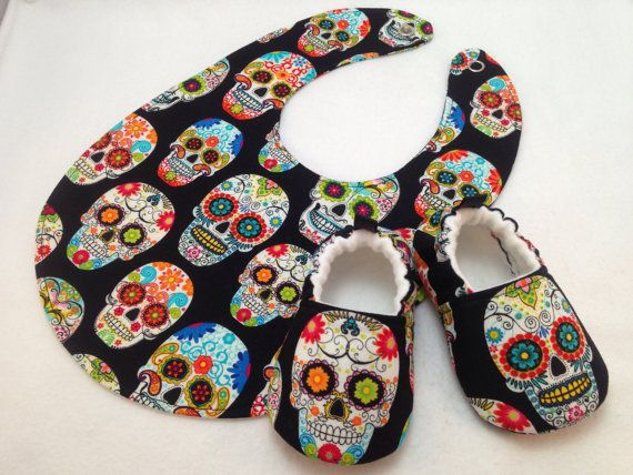 Sugar Skulls Baby Shoes and Bib Gift Set, Soft Sole Baby Shoes, Baby Booties, Day of the Dead, Dia de los Muertos, Toddler slippers