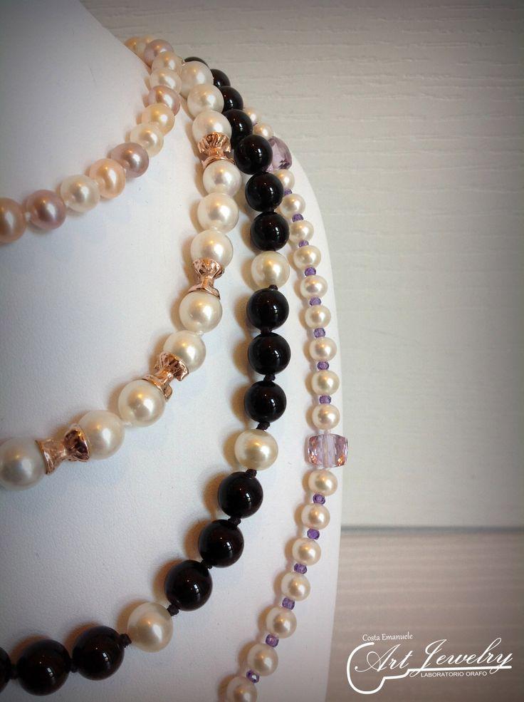 Collane di perle, argento, agate e ametiste. #jewellery #necklace #pearl  #amethyst #silver #agate #lilac #artjewelry  https://www.facebook.com/gioiellicosta https://www.instagram.com/costaemanuele_artjewelry/  Photo: Noemi Barolo