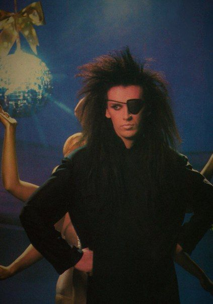 "Peter Jozzeppi ""Pete"" Burns (5 August 1959 – 23 October 2016) was an English singer-songwriter and television personality. He founded the pop band Dead or Alive in 1980, in which he was vocalist and songwriter ..."