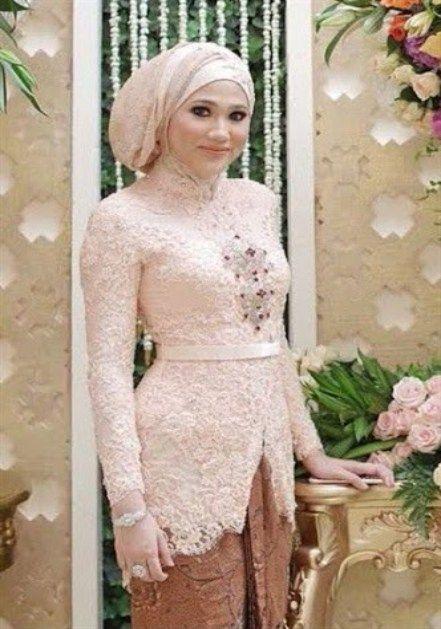 model kebaya muslim wanita berhijab terpopuler