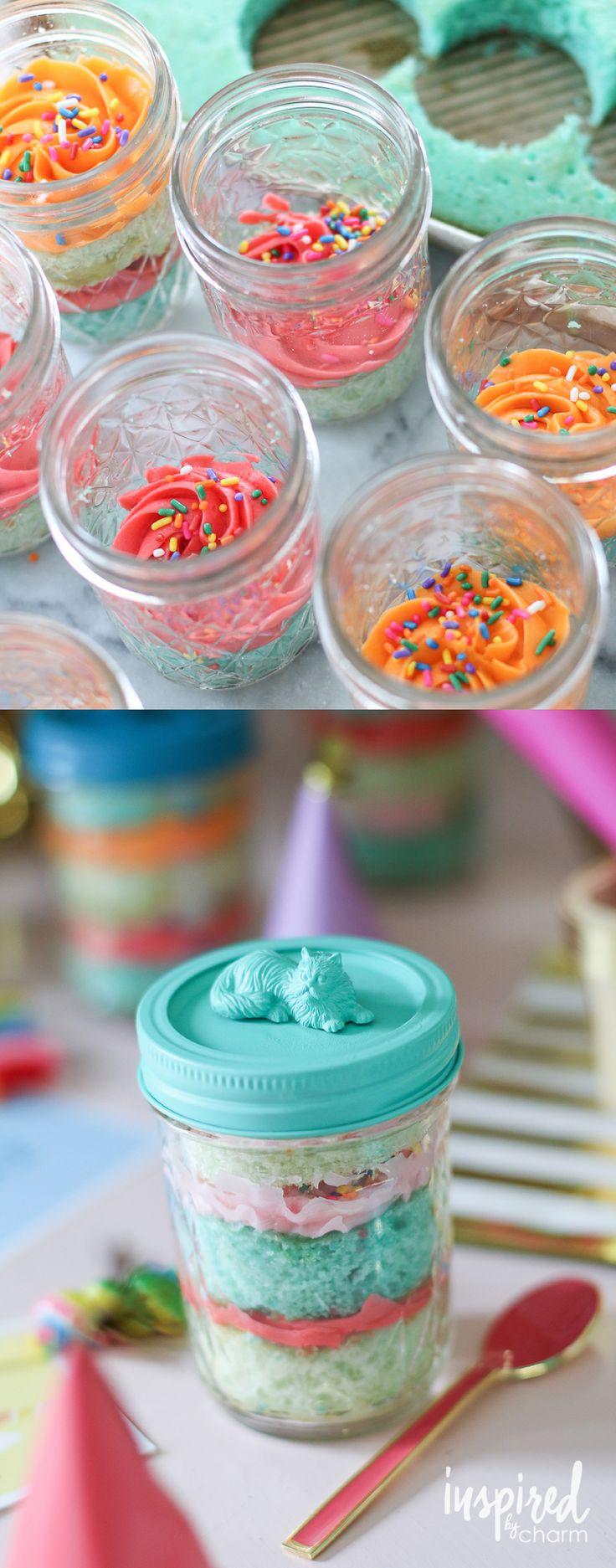 Mason Jar Cupcakes with DIY Cat Lid!