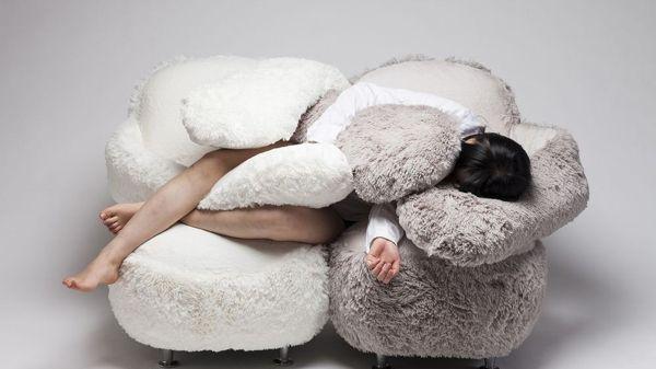 ¿Un día duro? Este sofá te esperará en casa para darte un abrazo cuando lo necesites.