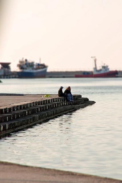 Walk by the waterline by Dolkin, via Flickr