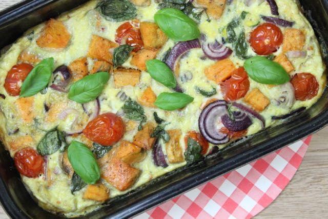 recept voor frittata met zoete aardappel, tomaat en basilicum | eethetbeter.nl