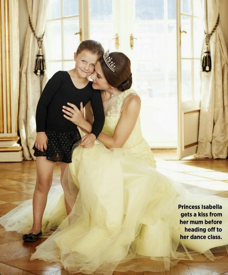 MYROYALS &HOLLYWOOD FASHİON: Crown Princess Mary for Women's Weekly-here with Princess Isabella