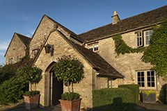 The Gumstool Inn in Tetbury is a traditional gastropub set within the grounds of Calcot Manor. Sourcing top-quality, seasonal ingredients The Gumstool serves favourites such as Gloucestershire sausages and mash, grilled calves liver with pancetta or the Calcot organic Black Angus beef burger. In the summer you can enjoy a chilled drink in their charming garden with bench tables.