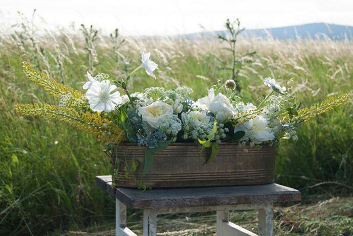 FLÓRA Floral Botanical Atelier / Summer flowers wedding