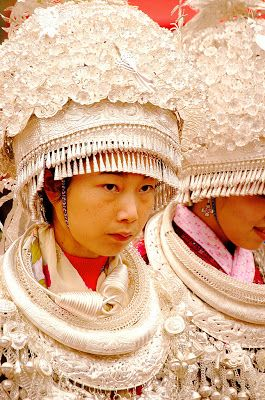 Мир вокруг: Традиционный костюм народности мяо: необыкновенное разнообразие
